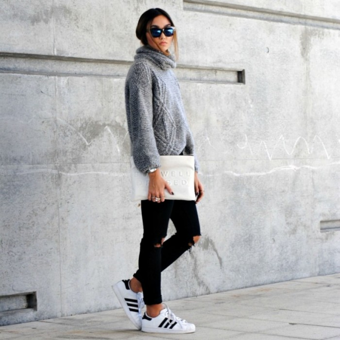 adidas-superstar-trend-outfit_black-ripped-jeans_En-Vogue