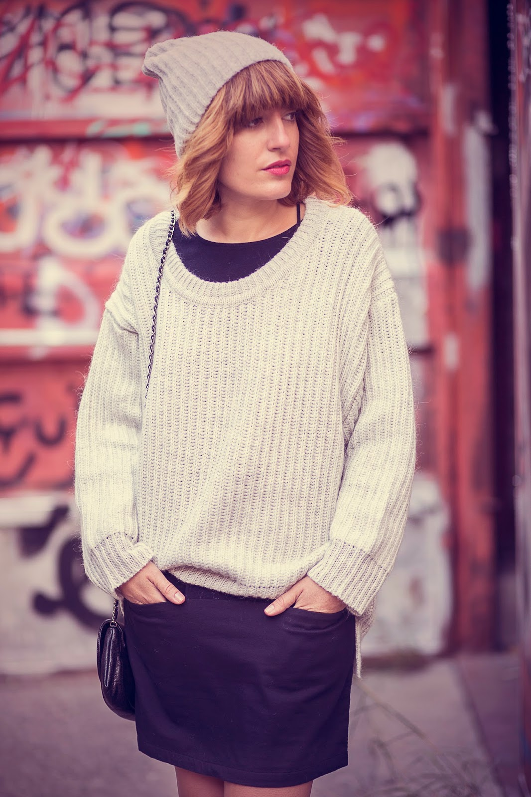 chain-bag_oversized-grey-sweater_berlin-fashion-blog