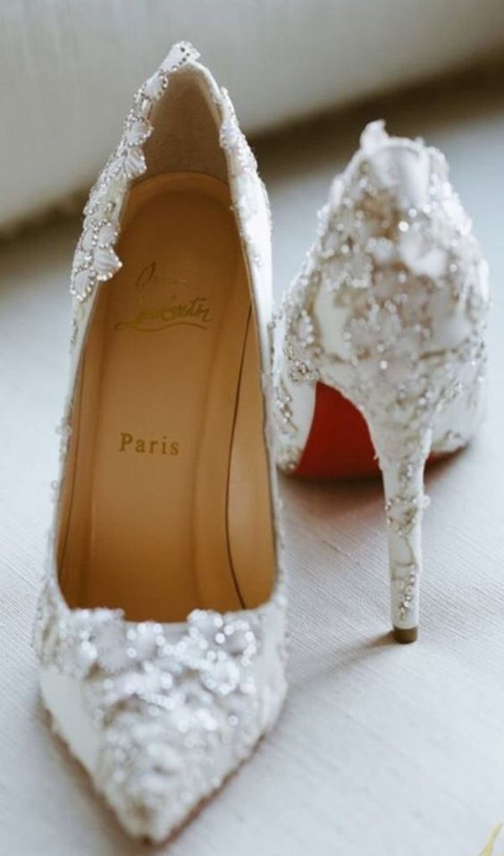 Accessories that Accent Your Vintage Style Wedding Shoes